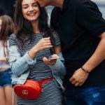How To Spot Single Women